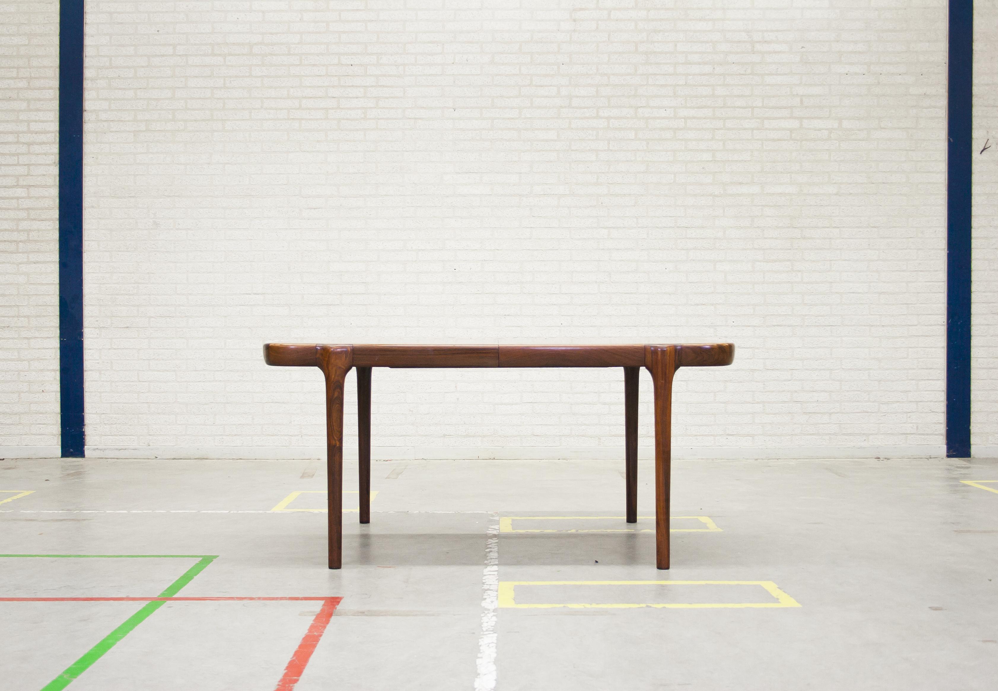 ULDUM MØBELFABRIK DINING TABLE – JOHANNES ANDERSEN