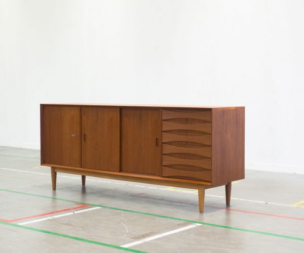 VINTAGE TEAK AND OAK SIDEBOARD