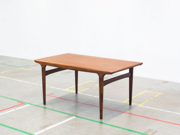 ULDUM MØBELFABRIK EXTENDABLE DINING TABLE - JOHANNES ANDERSEN