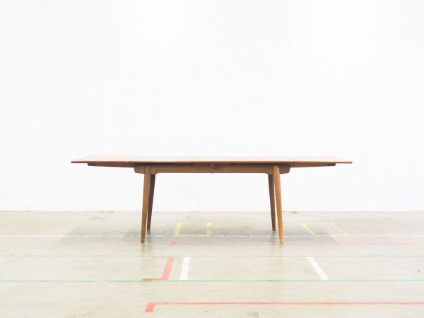 ANDREAS TUCK 'MODEL AT-312' DINING TABLE - HANS J. WEGNER