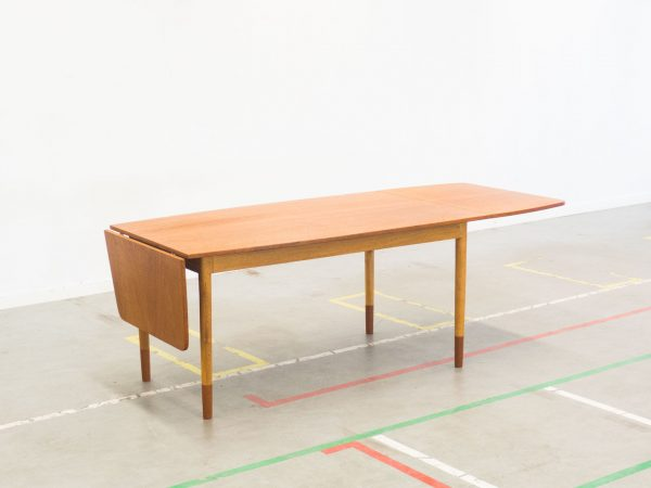 RANDERS MØBELFABRIK TEAK AND OAK DINING TABLE