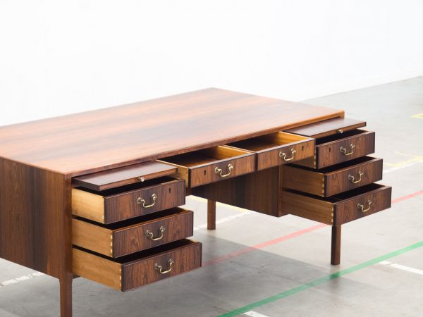 AJ IVERSEN ROSEWOOD EXECUTIVE DESK - OLE WANSCHER
