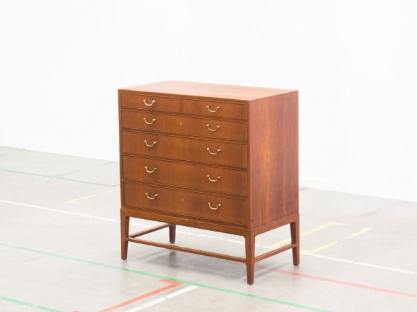 VINTAGE XL TEAK CHEST OF DRAWERS