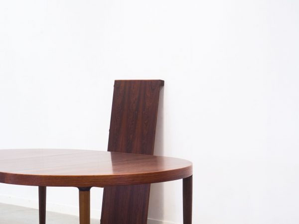 SVOKMAND & ANDERSEN EXTENDABLE ROSEWOOD DINING TABLE