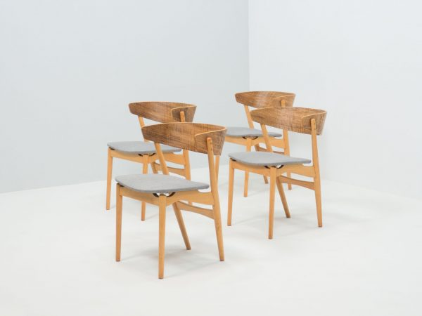 SIBAST MØBLER SET OF FOUR 'NO. 7' DINING CHAIRS - HELGE SIBAST