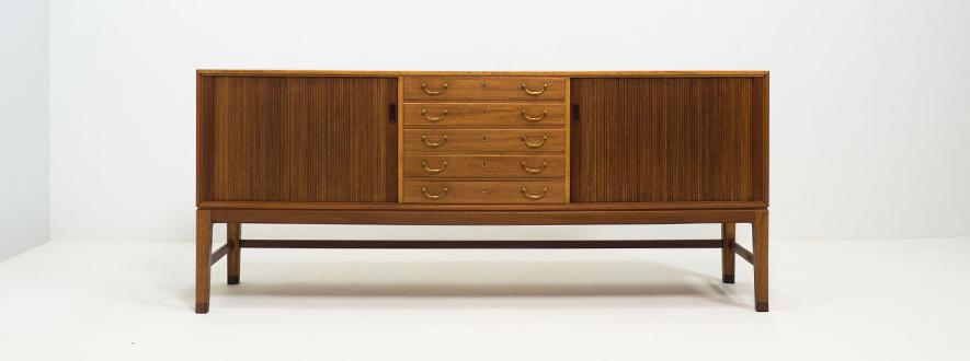 A.J. Iversen mahogany sideboard – Ole Wanscher