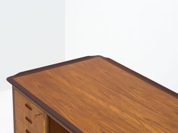 HP HANSEN FREE STANDING TEAK DESK - SVEND AAGE MADSEN