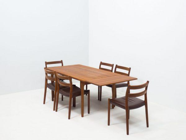 J.L. MØLLER MØBELFABRIK 'MODEL 84' TEAK DINING SET - NIELS OTTO MØLLER
