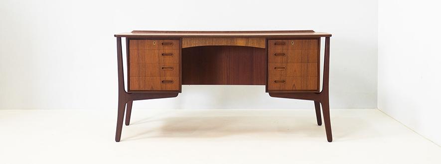 H.P. Hansen 'model 20' teak boomerang desk – Svend Aage Madsen