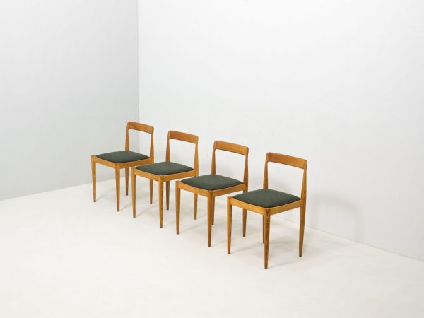 VINTAGE SET OF FOUR SOLID ASH WOOD CHAIRS